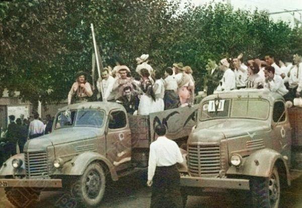 Делегация из Боливии - участники фестиваля фестиваля молодежи. 14 июня 1957. ЦДНИ УР.