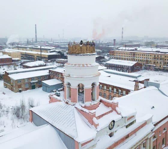 Сгорела башня заводская - Ее венчающая часть. Фото: Алексей Барабанов. Ижевск.