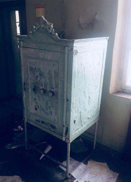 Старинный сейф на фабрике Ивана Петрова. Ижевск.