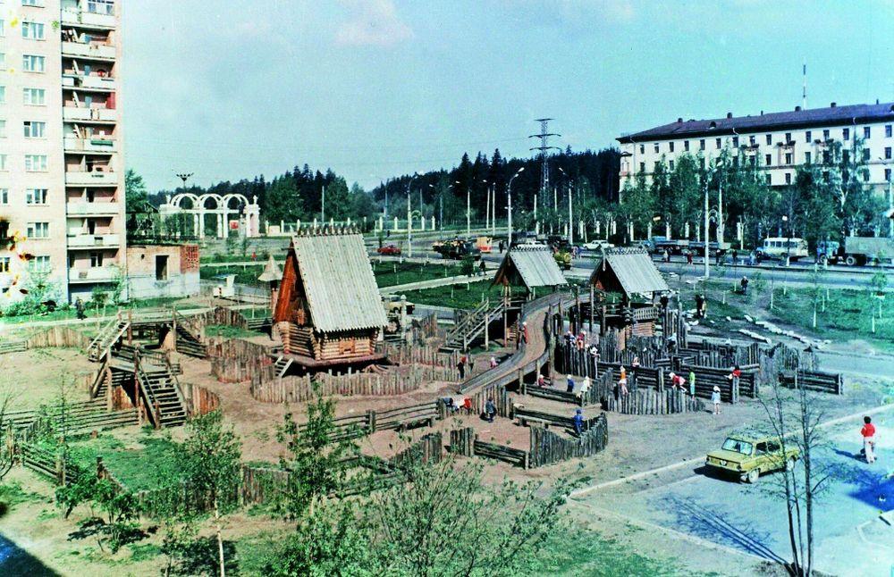 Детская площадка, которая была на улице Кирова Ижевск.