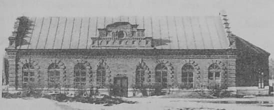 Город Можга. Храм в честь Михаила Архангела.  Каменный храм. Русский стиль.