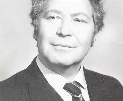 Загребин Егор Егорович - писатель, драматург, актёр, председатель правления Союза писателей Удмуртской Республики.
