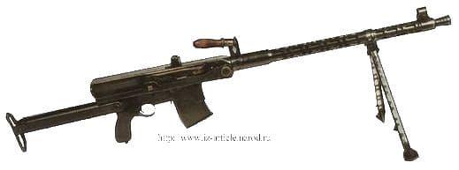 Пистолет - пулемет, опытный образец, 1942 г. Этот пистолет - пулемет является вторым образцом авт. оружия, созданного Калашниковым М.Т.