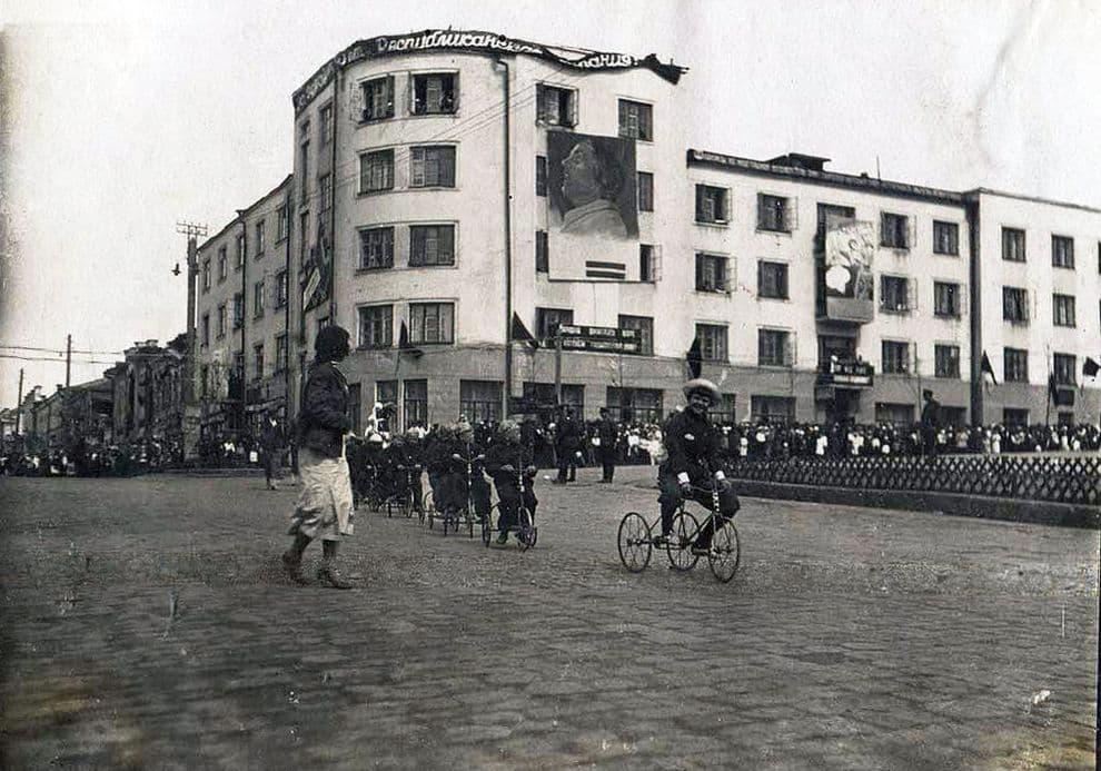 1 мая 1937 года Фото сделаны политруком внутренних войск НКВД Александром Вячкилевым.