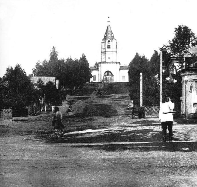 Улица Церковная. Часовня в честь Архангела Михаила. Ижевск.