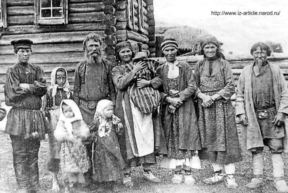 Южные удмурты. Семья. Сарапульский уезд. Село Бураново.1907 год. Удмуртская народная одежда.