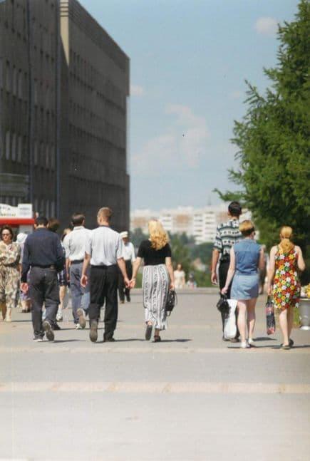 Улица Пушкинская летом, 1990-е годы. Фото из архива газеты Комсомолец Удмуртии. Ижевск.