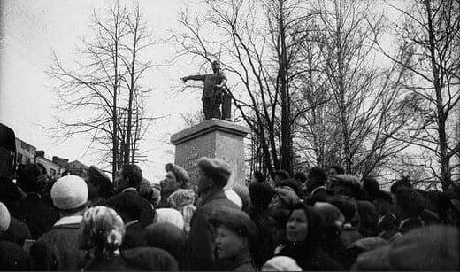 Памятник Пастухову ИД. в Ижевске