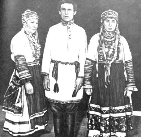 Праздничный костюм бесермян. Удмуртская народная одежда.