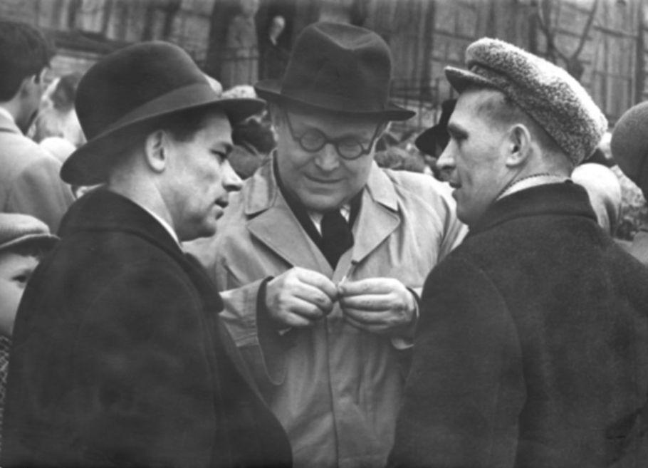 М.Т. Калашников и Евгений Федорович Драгунов.