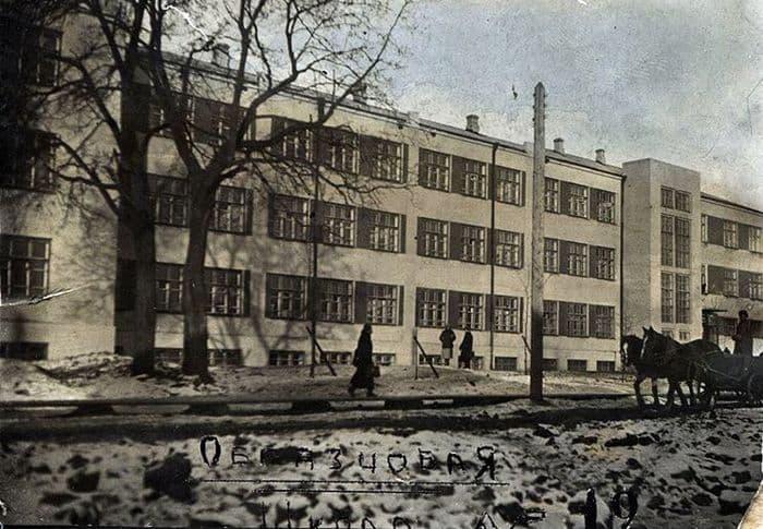 Школа №19 (в наши дни - школа №30). Ижевск. 1935-1936г.