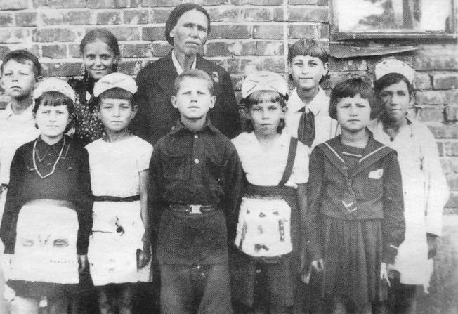 Тимуровская команда школы №24 Ижевска. 1944 г.