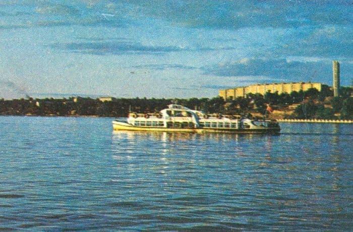 Первомаец на Ижевском пруду. Набор открыток - По Удмуртии, 1973 г.