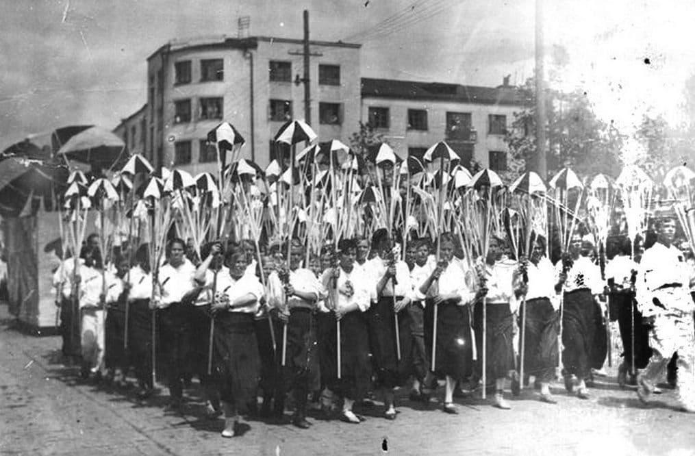 Ижевск первомайский. 30-е годы.