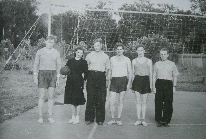 Волейбольная команда ДСО Труд. Глазов. 50-е г.