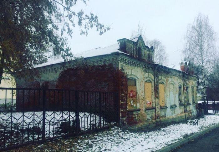 Дореволюционное здание земской больницы по улице Свободы 228 в Ижевске.