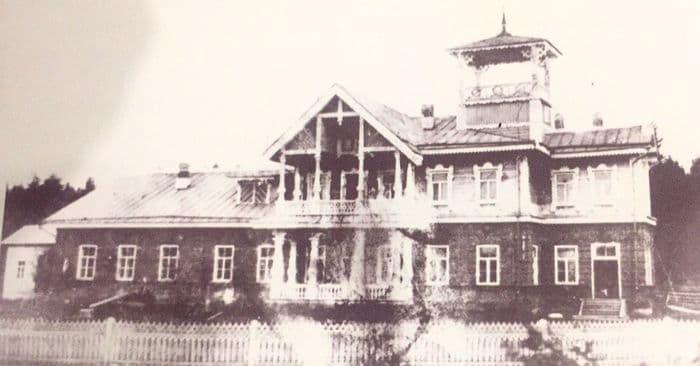 Усадьба ШИШКОВА С.А. Дом-усадьба возведён в конце XIX века и располагался в историческом центре Можги г.