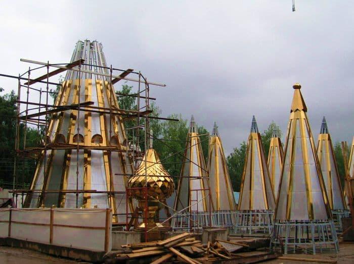 Строительство Михайловского собора. Фото 30.06.2006 года. Россия, Удмуртия, Ижевск.