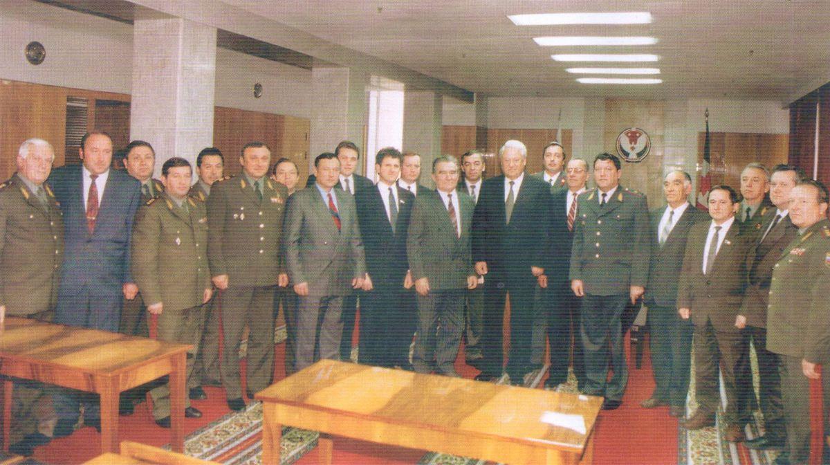 Отчет руководителей правоохранительных органов Удмуртской Республики Президенту Ельцину Б.Н. Ижевск. 1994 год.