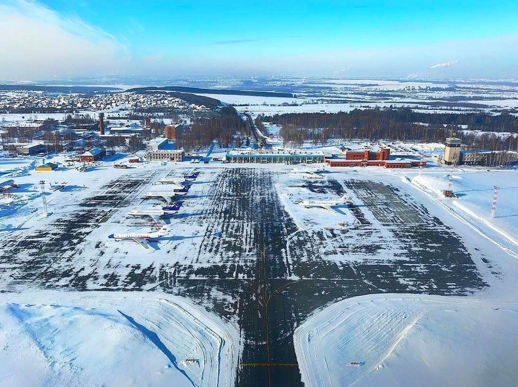 Ижевский аэропорт с высоты птичьего полёта. Фото Дмитрий Канатаев.