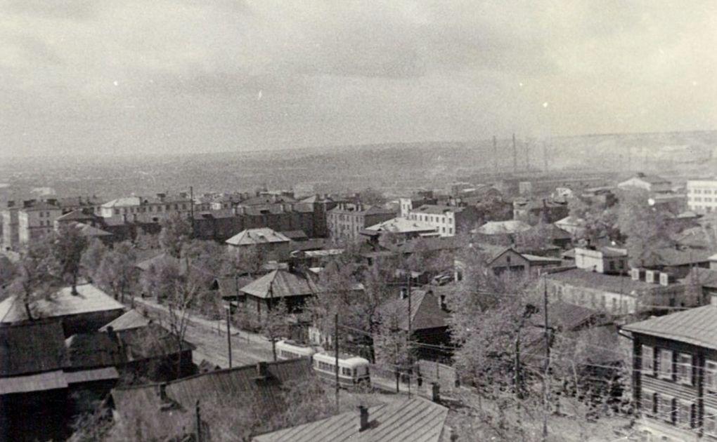 Улица К.Маркса, вид улицы с башни здания Медучилища. Фотография А. Барабанов, 1962 г.