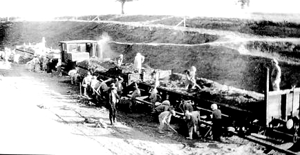 Работы на Шарканской выемке Кекоранского хода железной дороги Ижевск-Балезино. 1944 г.