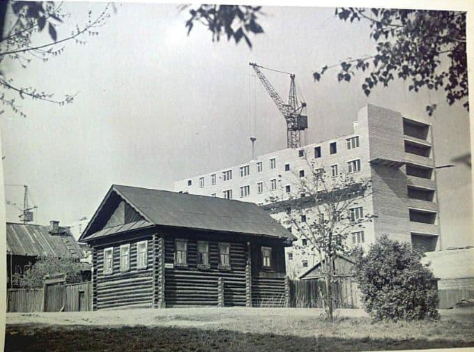 Перекрёсток улиц Красной и Шумайлова Ижевск.