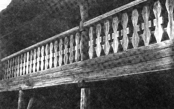 Балкон-галерея удмуртской клети-кенос.