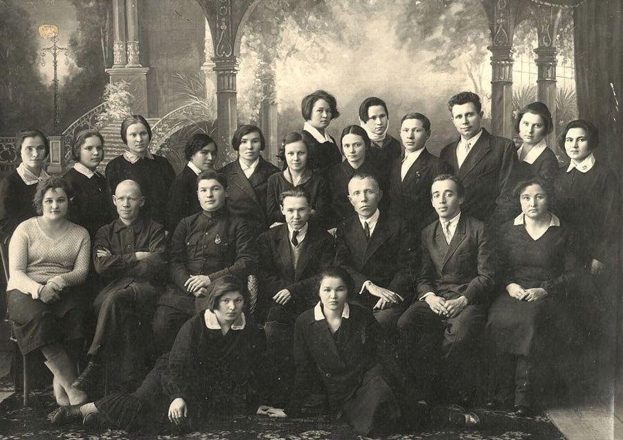 Выпускники факультета языка и литературы, 1938 г. Ижевск.