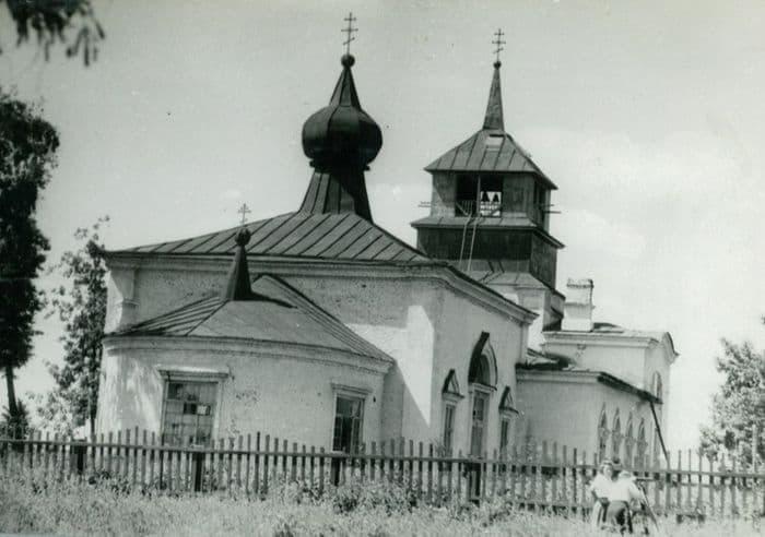 Свято-Троицкая церковь с трехъярусной колокольней. Ижевск.
