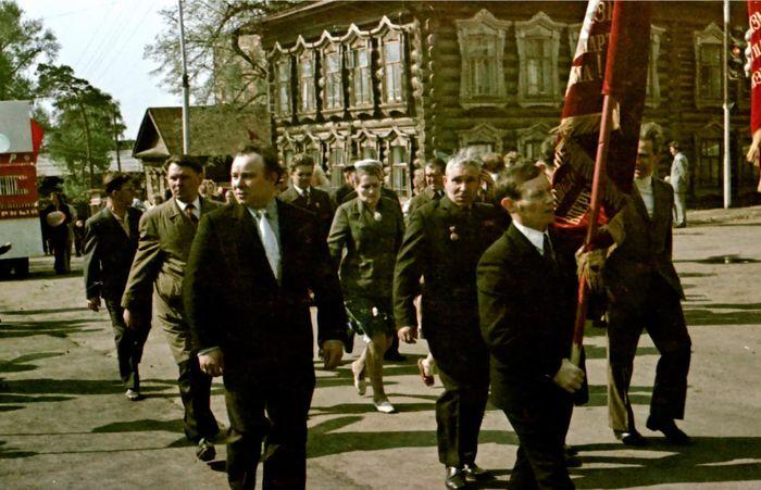 Демонстрация трудящихся. Сарапул. Май 1975 года.