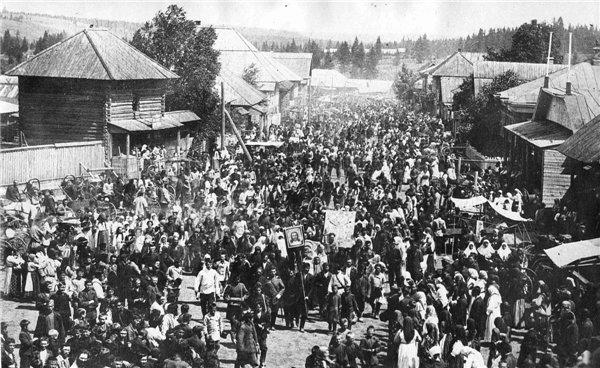 Крестный старообрядцев ход в с.Шаркан Сарапульского уезда. 1912 г.Шарканский район.