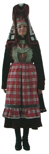 Свадебный наряд невесты. Бавлинские удмурты. Удмуртская народная одежда.
