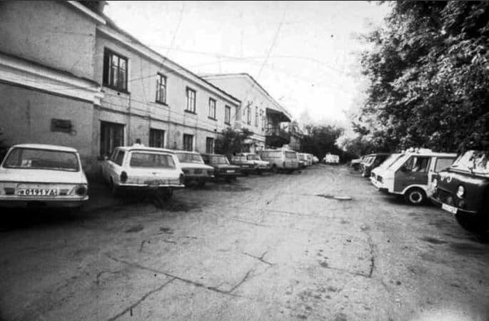 В генеральском доме долго размещалась станция скорой помощи. Ижевск.