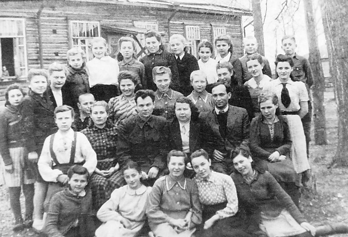 Польские дети в Каракулинском детском доме пред отправкой на Родину. 15 мая 1945г. Фото Каракулино. Удмуртия.
