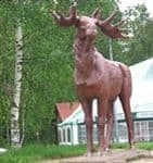 В 7 км от Ижевска установлен памятник лосю.