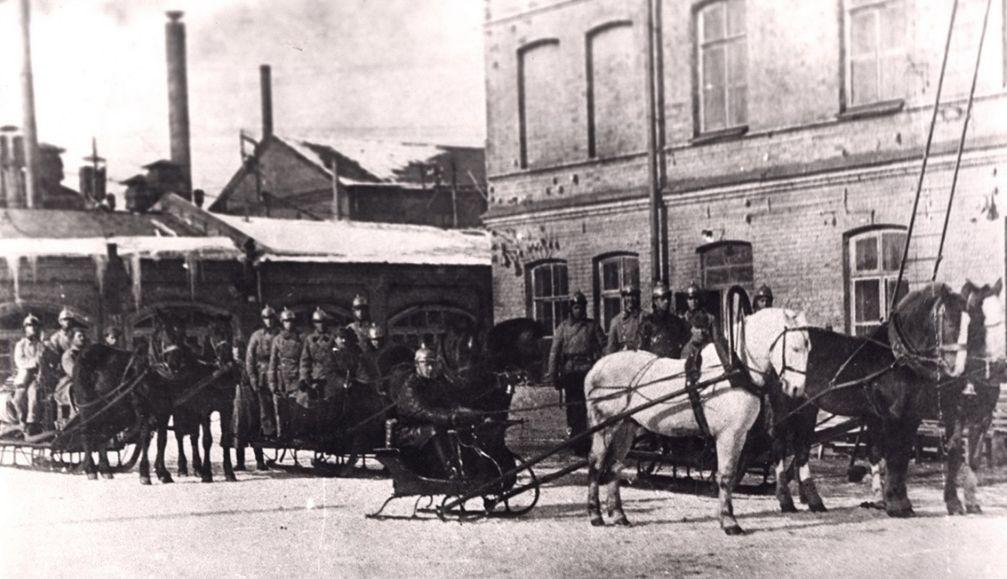 """Пожарная команда """"Ижстальзавода"""", фото 1930-х"""