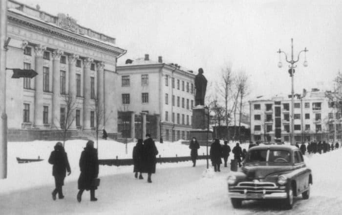 Советская улица. Библиотека им. Ленина. 1958–1960 годы.