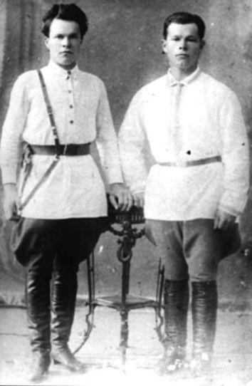 Сотрудники 1-й ведомственной милиции Ижевска. Фото: Н. Г. Пономарёв, начало 1920-х гг.