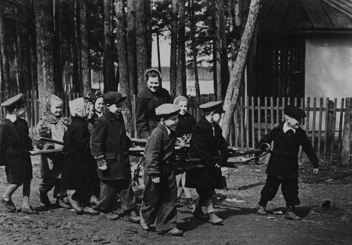 Сбор металлолома в Воткинском районе. 1965 год. Фото ГКУ «ЦДНИ УР». Удмуртия.