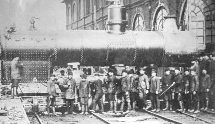Котёл паровозный, изготовленный на Камско-Воткинском заводе в 1907 году.