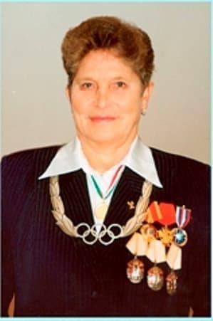 Неоднократная чемпионка Олимпийских игр  Галина Кулакова.