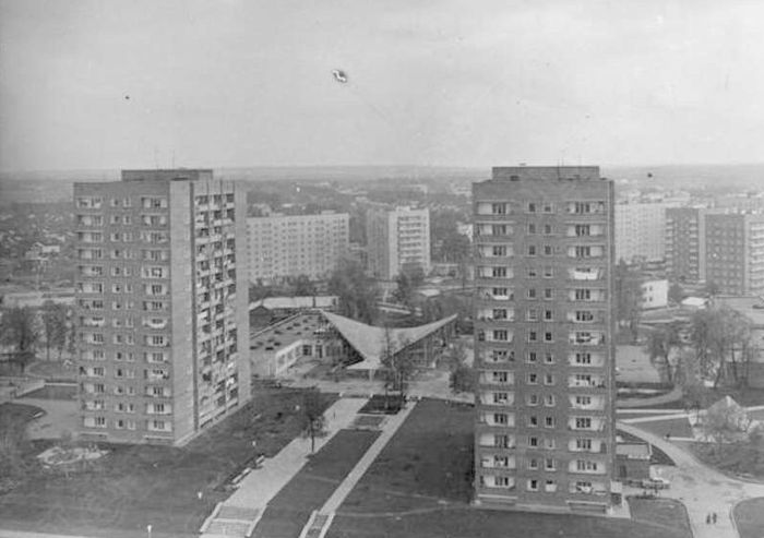 Жилые дома по улице Карла Маркса в Глазове 1980 год.