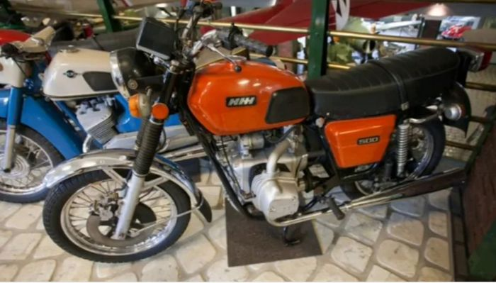 Мотоцикл Иж 7.105