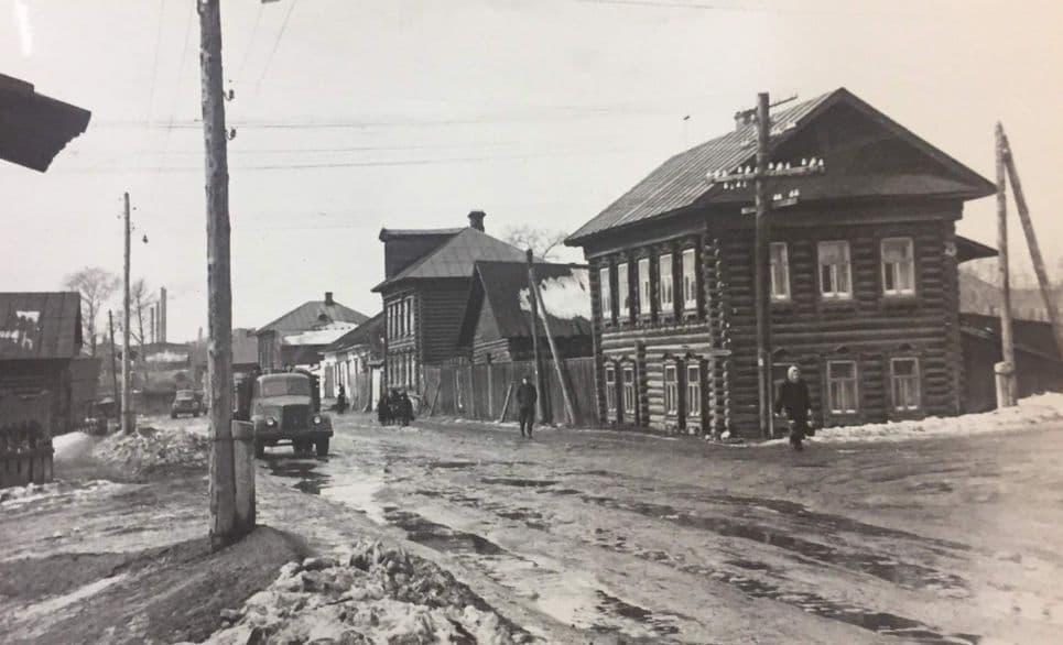 Нижний Узенький, Безымянный ныне Интернациональный переулок. Ижевск.