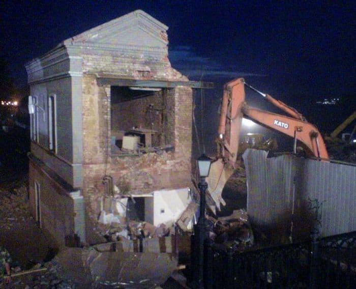 Здание Правления Ижевского оружейного и сталеделательного заводов уничтожено в 2018 году.