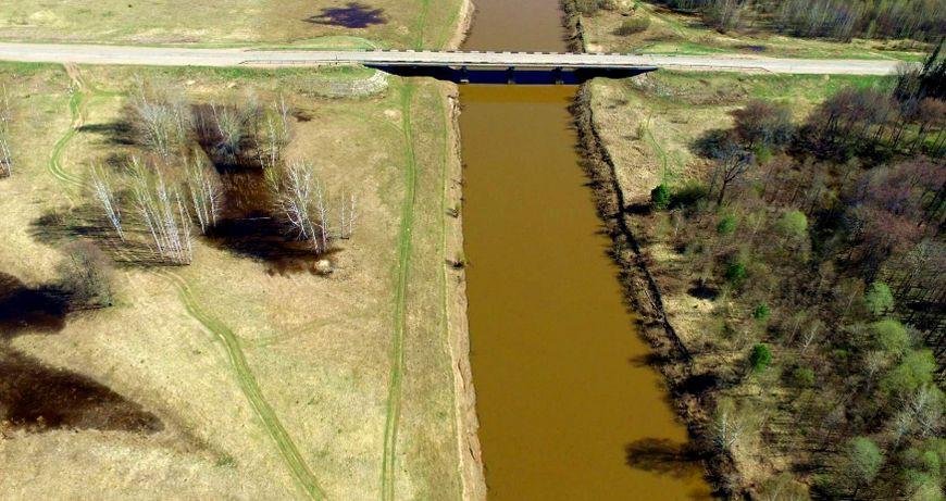 Река Вала и мост через нее, на выезде из Вавожа. Май 2018 г. Удмуртия.