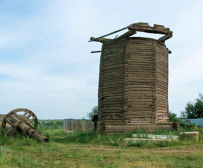 Старая мельница в Карамас-Пельге (Киясовский район).