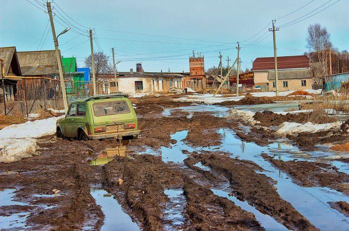 Кизнер. Улица Октябрьская. Апрель 2017 года.