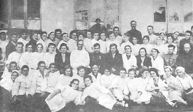 Персонал эвакогоспиталя №3672 г.Ижевска (в здании школы №24)